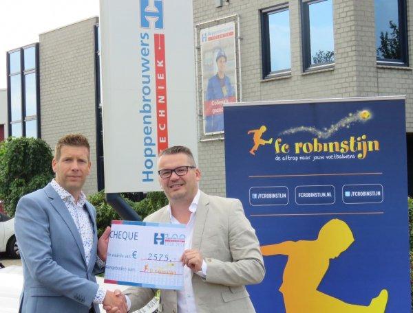 Hoppenbrouwers Techniek heeft cheque uitgereikt aan stichting FC Robinstijn