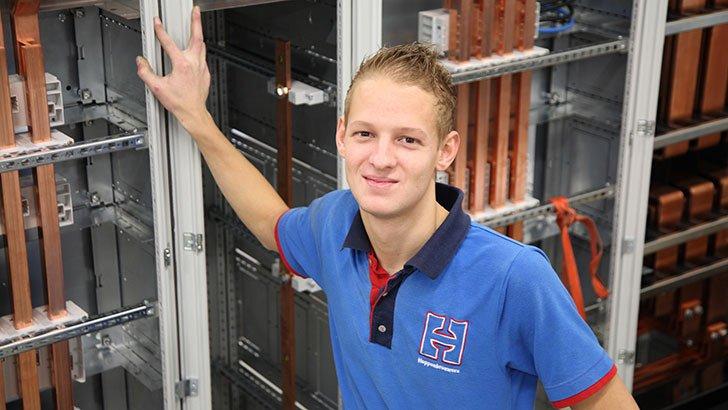 Testmonteur Jordi van Engelen van Hoppenbrouwers Techniek