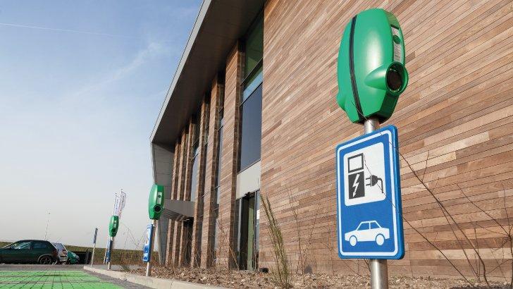 Duurzame Energie: Laadpalen en laadoplossingen voor elektrische auto's