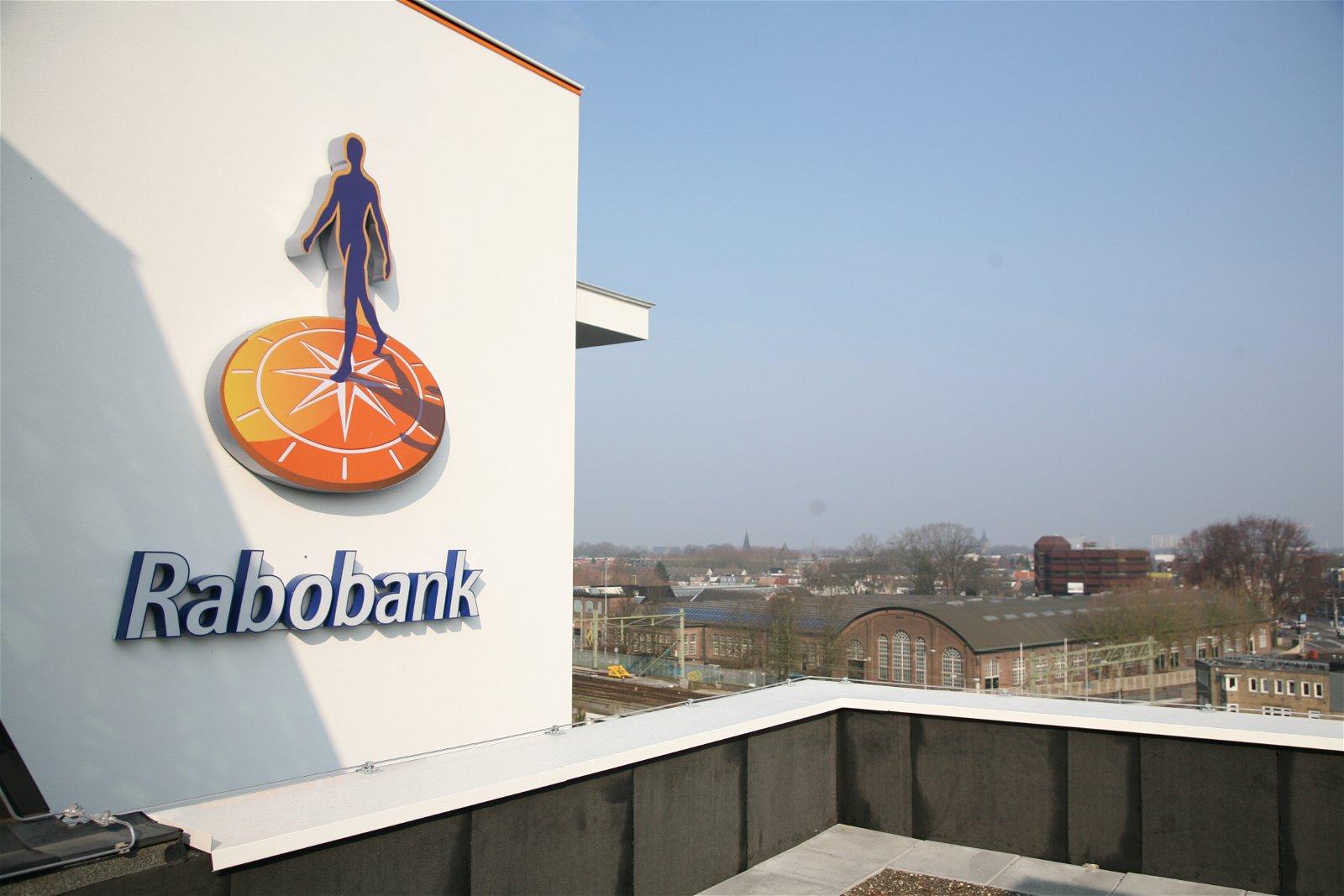 Dak van de Rabobank Tilburg in samenwerking met Hoppenbrouwers Techniek