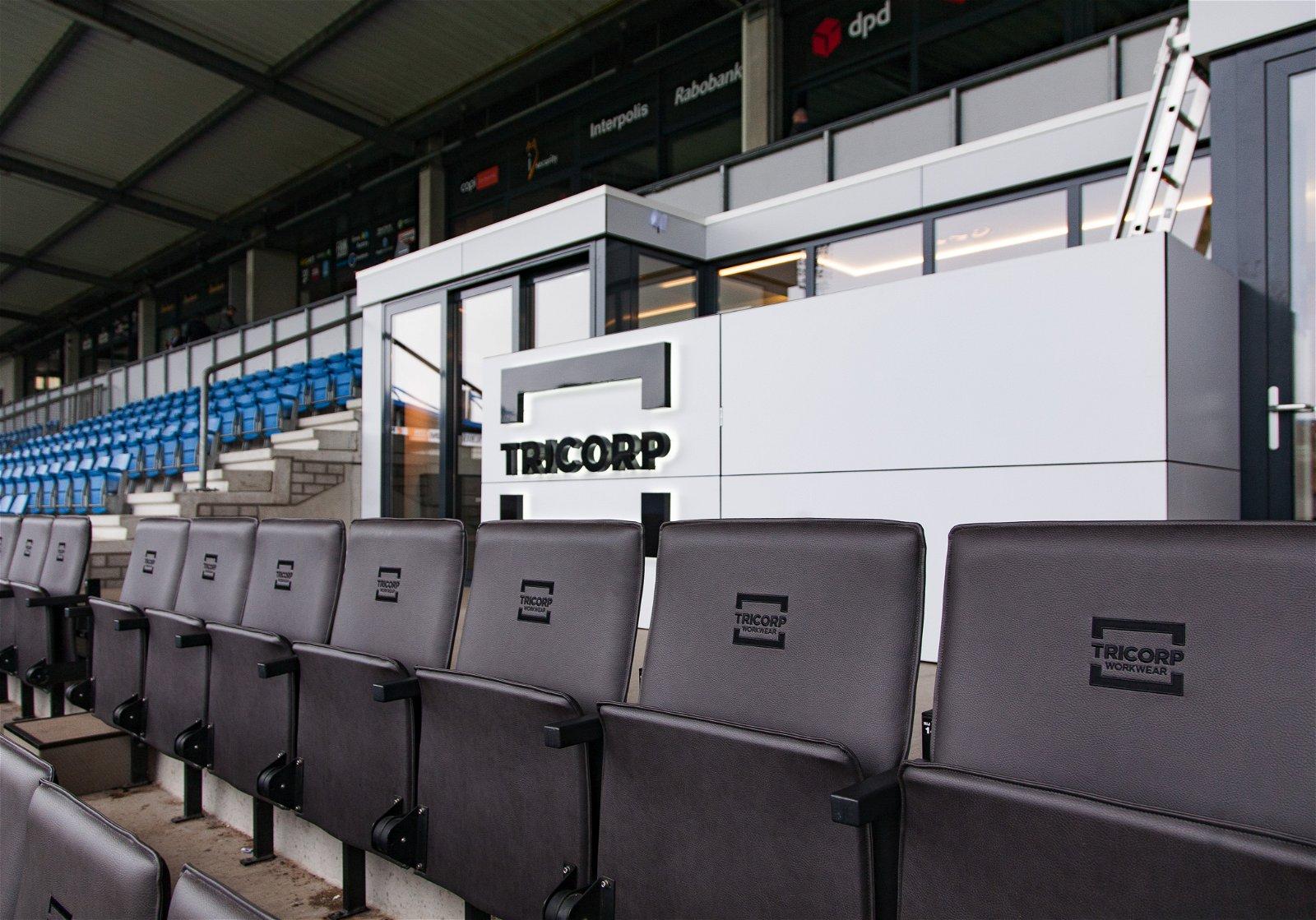 Buitenaanzicht van Nieuwe skybox van Willem II door Hoppenbrouwers Techniek