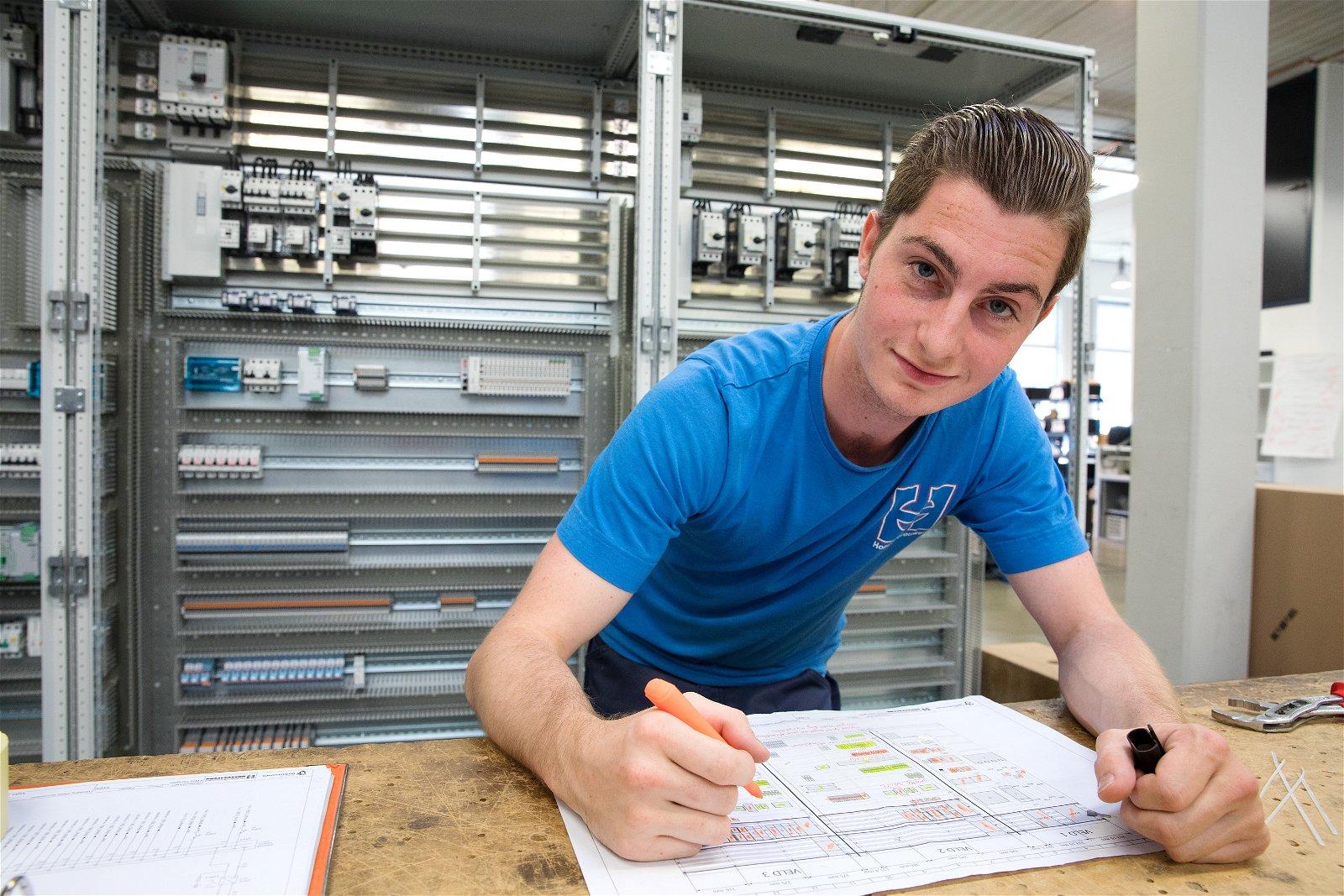 Kies uit Elektrotechniek of Werktuigbouwkunde bij het bbl-traject van Hoppenbrouwers Techniek.