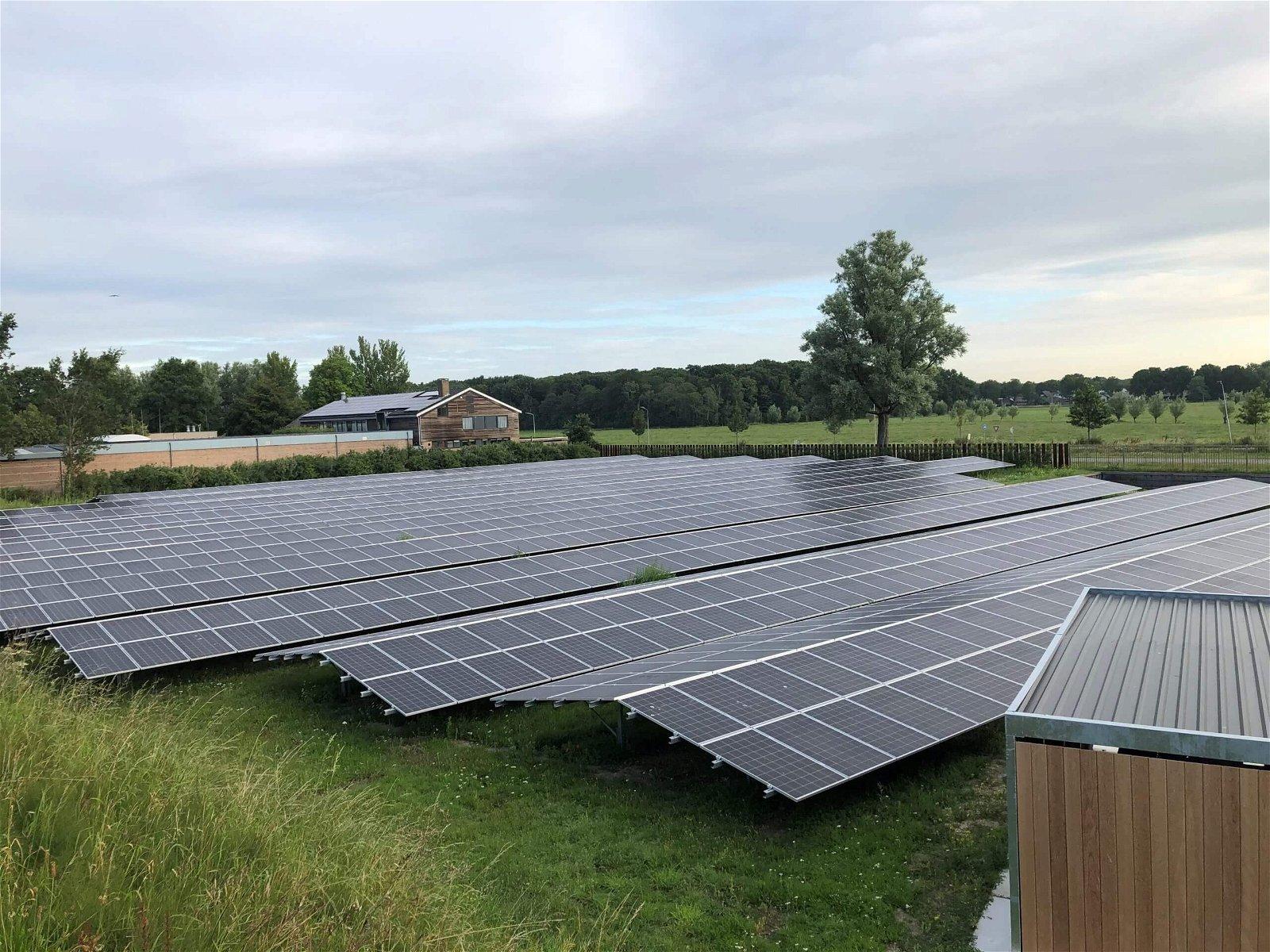 Hoppenbrouwers helpt mee met de bouw van zonneweides voor HHNK