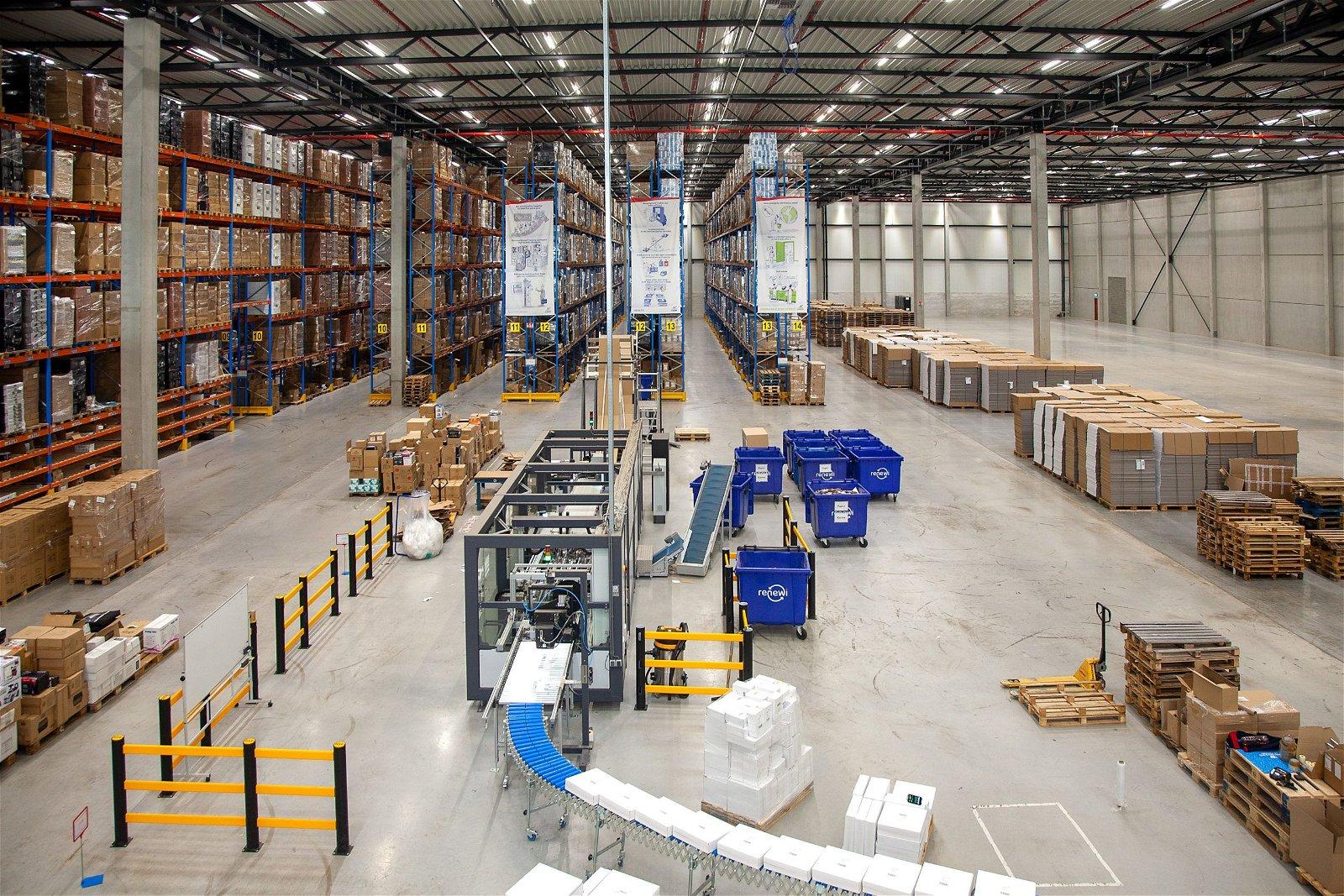 E-installaties nieuwe megahal ID Logistics door Hoppenbrouwers Techniek