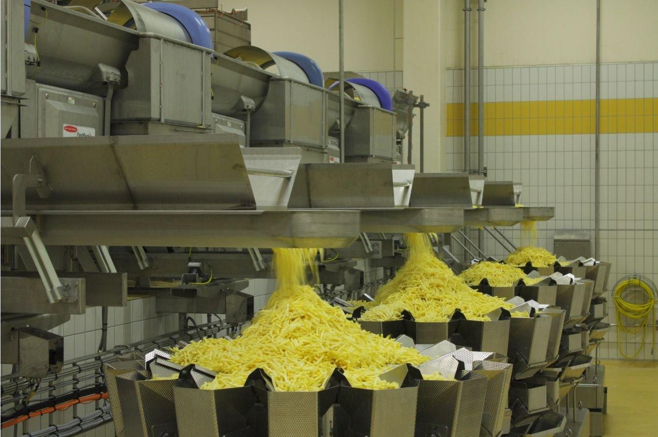 Productieproces aanpassen met industriële automatisering, daar helpt Hoppenbrouwers Techniek graag aan mee.
