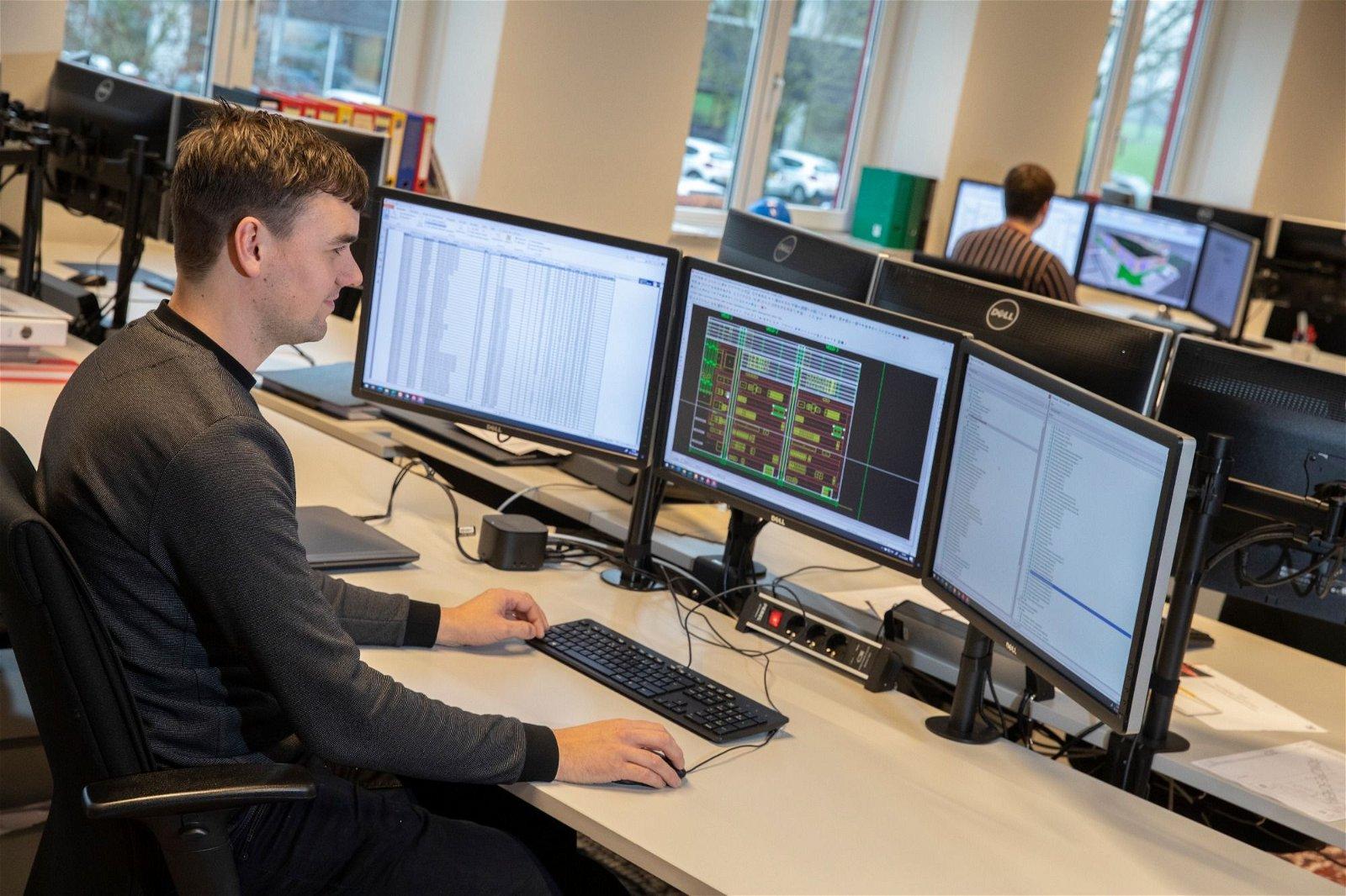 Schakel Hoppenbrouwers Techniek na de hardware engineering ook in voor software engineering.