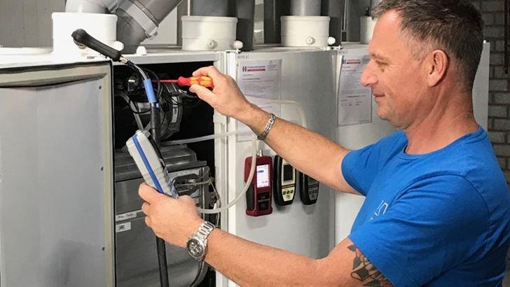 Service en industrieel onderhoud houdt bij Hoppenbrouwers Techniek ook in dat wij helpen met aanpassingen in de bestaande lijn.