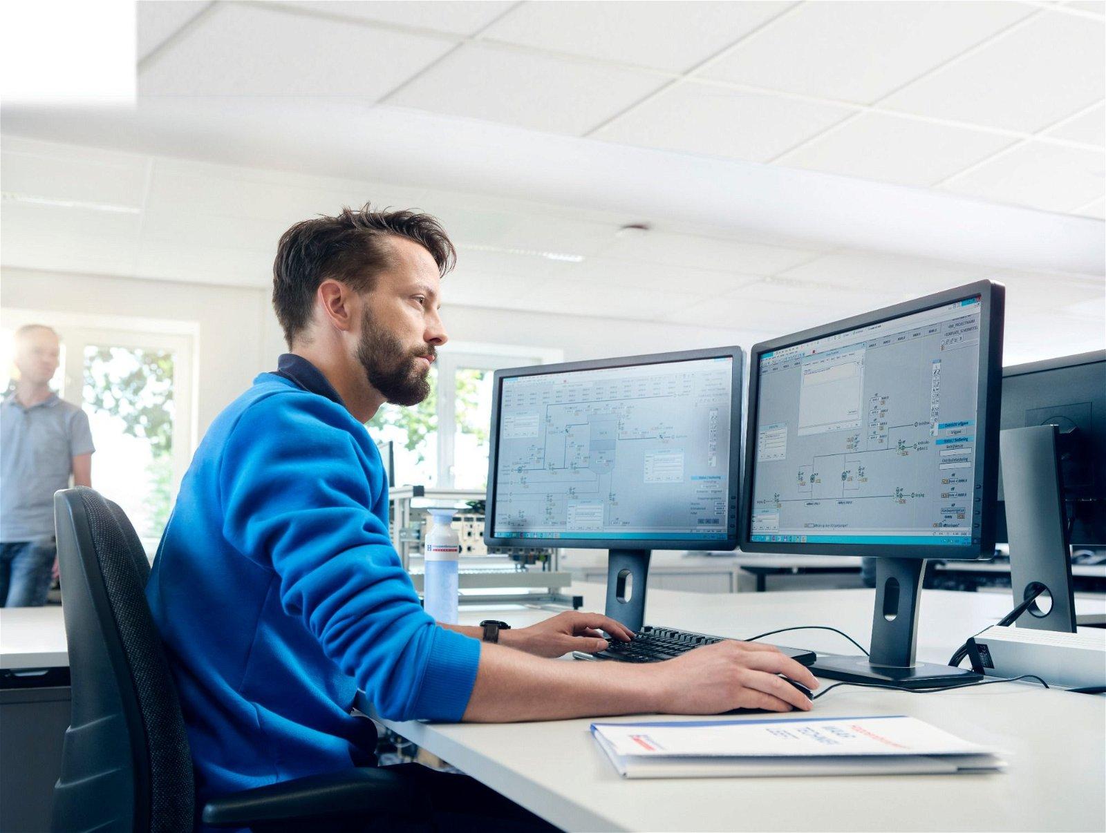 Wij bundelen graag onze krachten en nemen zowel hardware als software engineering uit handen. Maak kennis met Hoppenbrouwers Techniek.