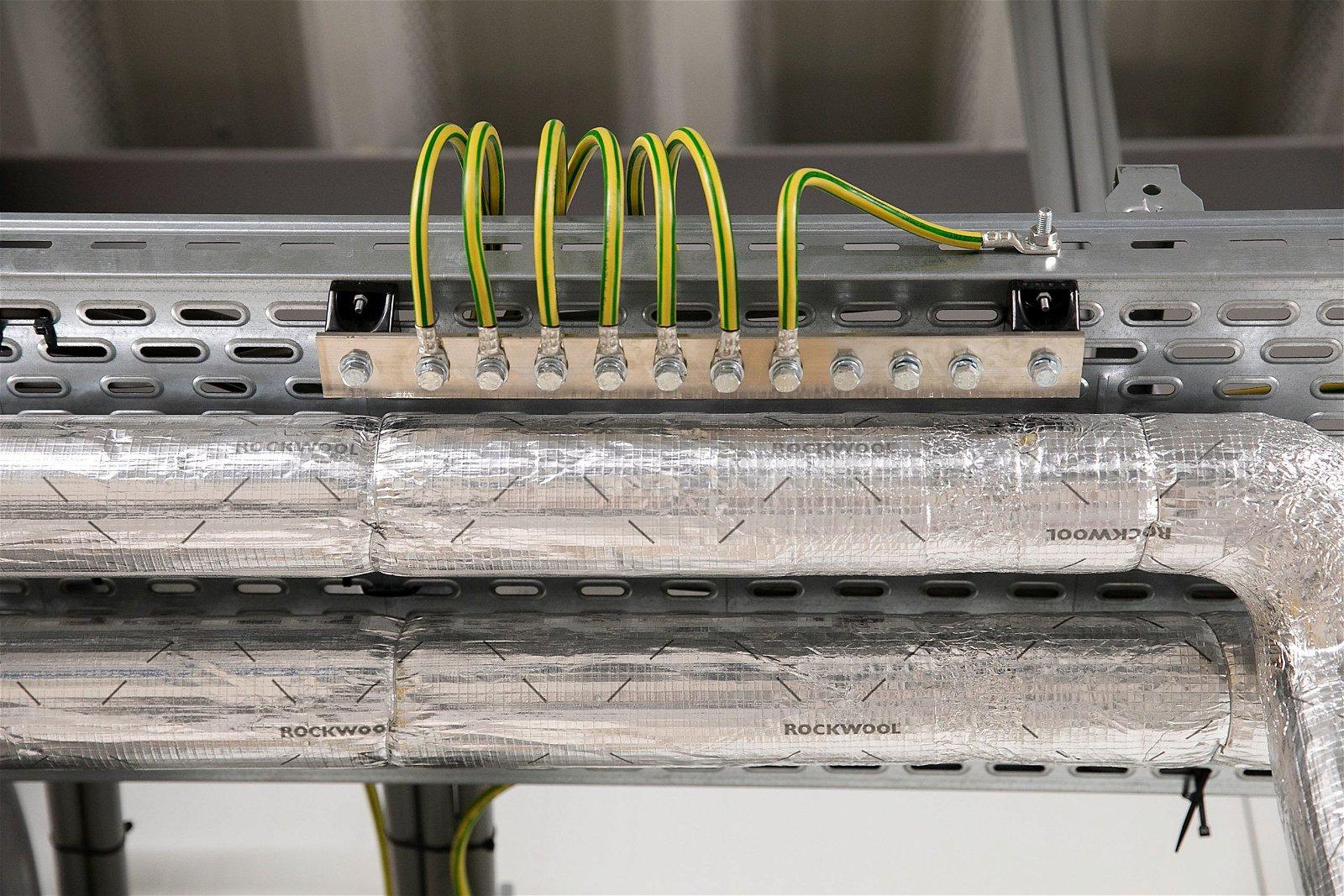 Voor Dinnissen in Sevenum realiseerde Hoppenbrouwers Techniek de elektrotechnische en beveiliging installaties.