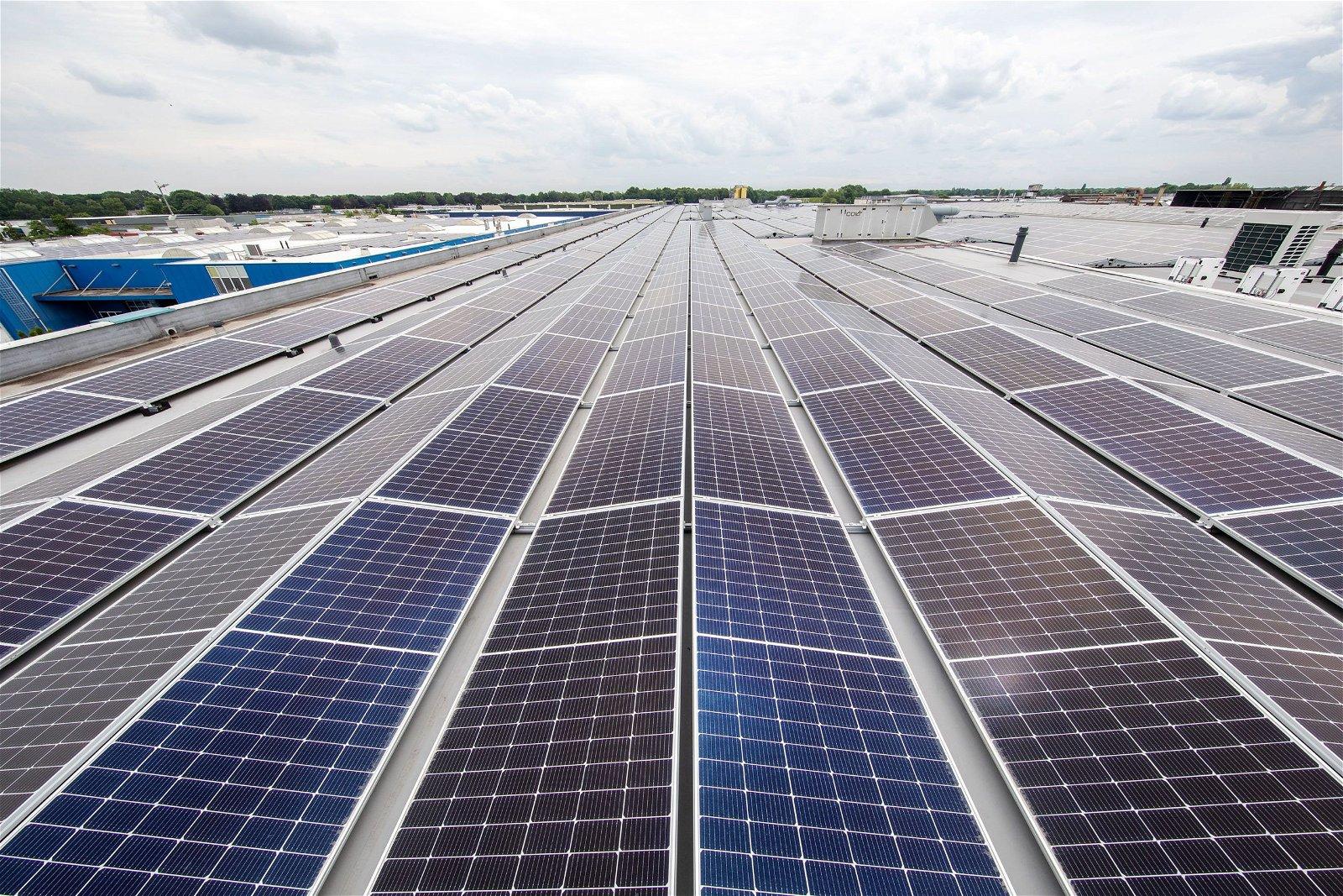 Van Beek schroeftransport krijgt zonnepanelen